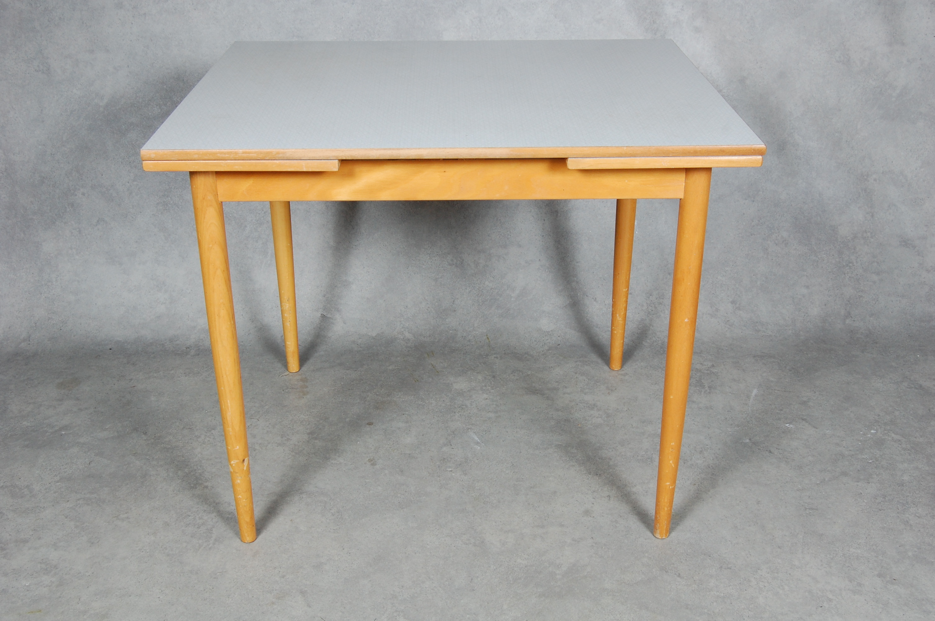 Litet Koksbord Med Klaff : Bilder for 116076 KoKSBORD, med Perstorpsskiva,  VirrVarr  1950