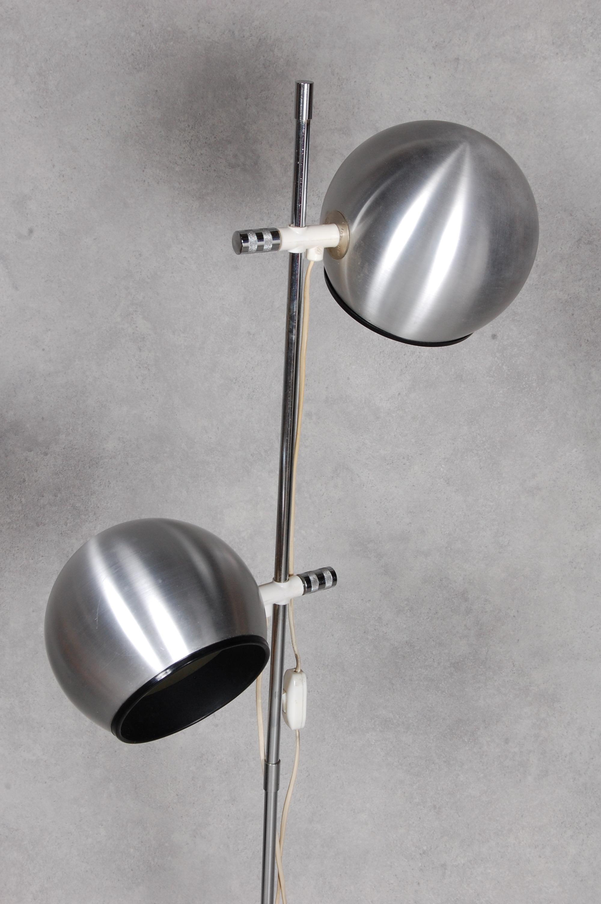 """Bilder för 77174 GOLVLAMPA,"""" Hemi Klot 1"""" 1970 tal u2013 Auctionet"""